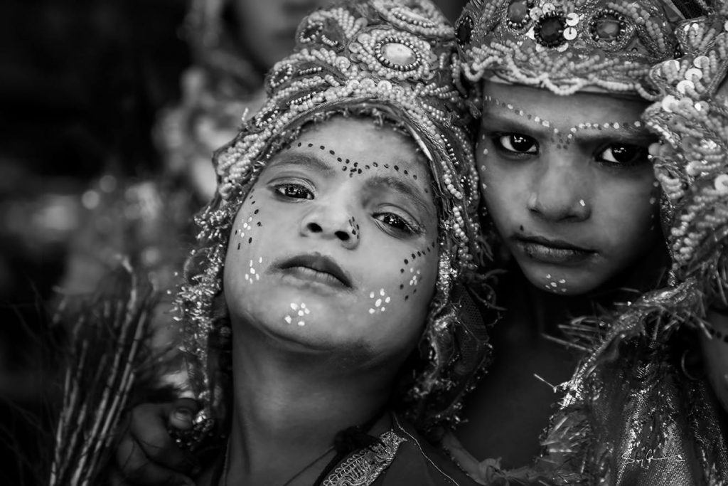 India photo tour with Swarup Chatterjee and two kids